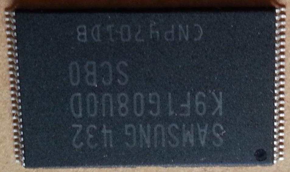 Memorii nand K9F1G08U0D-SCB0
